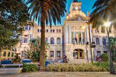 Malaga stad heeft je veel moois te bieden.  Ontdek--- Beleef--- Geniet en …… vergeet je reisgids niet. www.reisgidsmalaga.nl