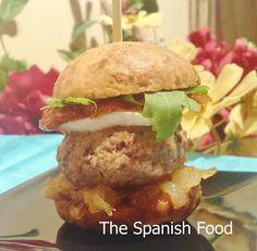 Hamburguesa Ibérica  http://www.thespanishfood.es/2011/05/hamburguesa-iberica.html