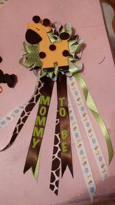Who needs a sash when you got this giraffe pin! @tbishop40165