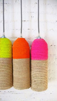 Reserven for Barbara Ratti - Natural raffia lamp with textile cable, switch and plug - neon Boho Lighting, Basket Lighting, Interior Lighting, Pendant Lighting, Diy Luminaire, Diy Lampe, Deco Boheme, Lampshades, Lamp Light