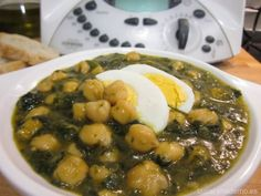 Espinacas con garbanzos Thermomix Nut Recipes, Vegetarian Recipes, Cooking Recipes, Healthy Recipes, China Food, Hot Soup, Exotic Food, Kitchen Dishes, Food Is Fuel