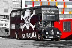 #Hamburg #SanktPauli #St_Pauli #fcsp #Fußball #football Fc St Pauli, Walking Alone, Sports Clubs, Crazy Girls, Germany, Soccer, Football, Culture, Cool Stuff