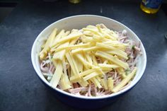 Schwäbischer-Wurstsalat mit Käse Cabbage, Brunch, Snacks, Vegetables, Food, Party, Sausage Recipes, Lettuce Recipes, Meat