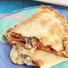 Calzone de pollastre als tres formatges Raw Food Recipes, My Recipes, Italian Recipes, Mexican Food Recipes, Chicken Recipes, Cooking Recipes, Favorite Recipes, Quiche, I Chef