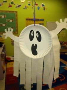 Paper plate ghost craft - plates, paper scraps, streamers