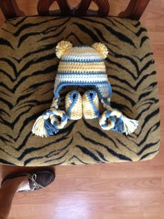 Crochet Baby Boy Gift Set  HAT and BOOTIES  Off White by lisaswick, $25.00