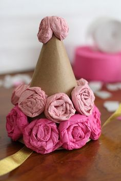 Make: DIY Flower Paper Party Hats : cover regular party hats with Kraft paper and make flowers. Crafts For Kids, Arts And Crafts, Paper Crafts, Diy Crafts, Diy Flowers, Paper Flowers, Elmo Party, Mickey Party, Dinosaur Party