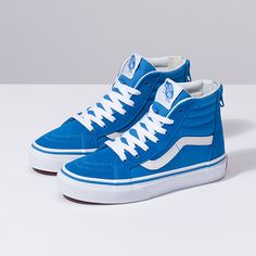 The Zip combines the legendary Vans lace-up high top with a zipper entry at the heel, sturdy canvas and suede uppers, signature rubber waffle outsoles, and padded collars for support and flexibility. Vans Sneakers, Tenis Vans, Cute Vans, Cute Shoes, Me Too Shoes, Vans For Kids, Boys Vans, Vans Outfit, Estilo Vans