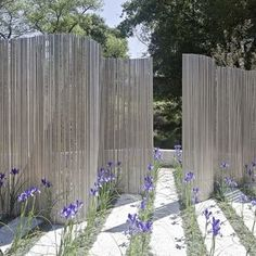 Outside Privacy Screen Design Is this clear corrugated Plastic ?
