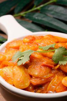 Our Journey to Mauritius - International Cuisine Lima Bean Recipes, Veggie Recipes, Indian Food Recipes, Asian Recipes, Vegetarian Recipes, Ethnic Recipes, Ratatouille, Mauritian Food, Bouillabaisse