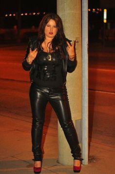 @MusicNikkiT Leather Pants, Suits, Sexy, Artist, Beautiful, Fashion, Leather Jogger Pants, Moda, La Mode
