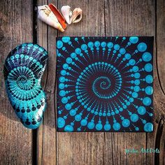 #YuliaArtDots #painting #paintedrock #turqoise #black #spiral #dots #dotartpainting #dotting #dotart #fracktal #fracktals #nature #seashell #myart #art #seasons