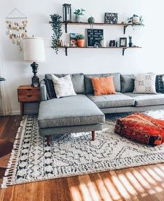 Top living room paint ideas with grey couch for your cozy home