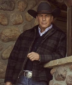 Grab this classic jacket. Kevin Costner Yellowstone Plaid Jacket is consist of a real leather is exectly the kind of attirre you want. It is comfortable as well as quuite affordable as well. Kevin Costner, Western Hats, Western Wear, Cowboy Hats, Western Cowboy, Asia Kate Dillon, Ranger, Yellowstone Series, Luke Grimes