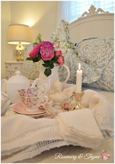 Rosemary and Thyme: Cozy Room And Pretty Pastels