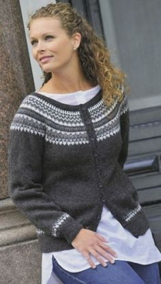Ravelry: Jakke med rund sal pattern by Gerd Auestad Fair Isle Knitting, Free Knitting, Norwegian Knitting, Nordic Sweater, Icelandic Sweaters, Fair Isle Pattern, Jackett, Girls Sweaters, Knitting Designs