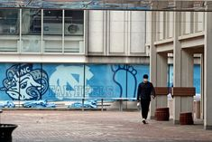 "Citing an ""untenable situation"" caused by a spike in coronavirus cases after the first week of classes, the University of North Carolina at Chapel Hill said on Monday that it would shut down in-person instruction for undergraduates and move entirely online. Oklahoma State University, University Of North Carolina, Granville Towers, Bethel College, Unc Chapel Hill, People Having Fun, Higher Learning, Learning Environments, Ny Times"