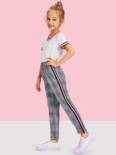 Checked trousers with stripes - Preteen Clothing Cute Girl Outfits, Kids Outfits Girls, Cute Outfits For Kids, Girls Fashion Clothes, Tween Fashion, Fashion Outfits, Teenage Clothing, Clothing Ideas, Plaid Pants