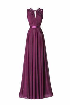 Modello Albahaca - Abito in viola lungo con cintura in vita.
