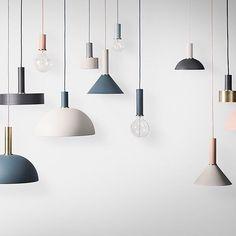Ahora que parece que ya ha llegado el frío, estás listo para sumergirte en el otoño. #FermLiving te propone una colección de lámparas en colores cálidos y nude para conseguir que tu estado de animo no decaiga con el cambio de temperatura!  #DomésticoShop #design #interiordesign #interiordesigner #interiordecor #interiorarchitecture #homestyle #theartofslowliving #seekthesimplicity #designinspiration #easyliving #decor #light #lightdesign