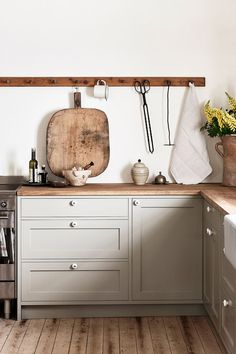 Nordiska Kök - Farmhouse kitchen for Ellen Dixdotter on Österlen. Heart of the home is the bespoke shaker kitchen. Farm Kitchen Ideas, Farmhouse Kitchen Island, Kitchen Island Storage, Modern Kitchen Island, Rustic Kitchen, Kitchen Islands, Shaker Kitchen, Kitchen Island On Wheels, Kitchen Island Lighting