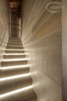 Sawn Hard Maple - Stair case and covering floor flooring Wood Parquet, Parquet Flooring, Wood Planks, Hardwood Floors, Modern Flooring, Cork Flooring, Wall Cladding, Floor Finishes, Rustic Feel