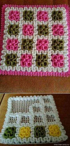 Вязаные крючком коврики на филейной сетке