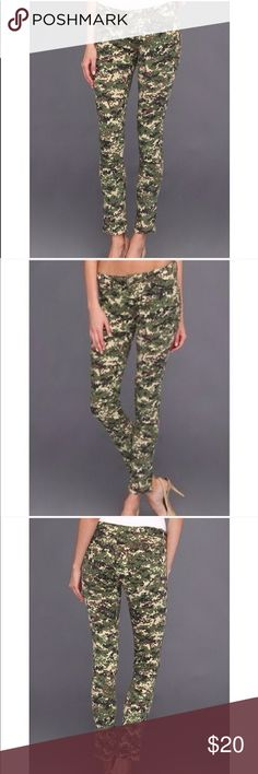 Cabriella Rocha Kaleidoscope Camouflage Jean Cabriella Rocha Kaleidoscope Camouflage Jean Size 5. Highly stretchable. Like light acid wash. Super comfy and chic Jeans Skinny