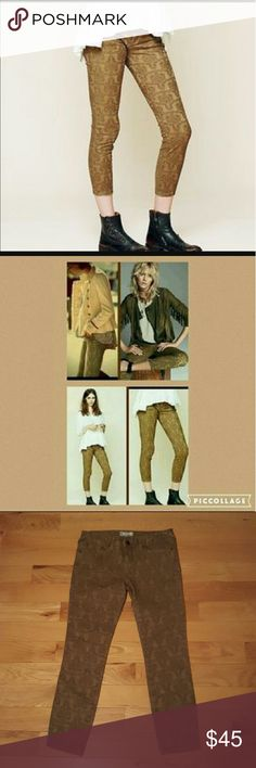 """NWOT Free People Texture January Skinny Jeans Tan/brown Free People jacquard skinny jeans in size 28, but fit like a 26. The jeans are textured on the outside while remaining comfortable on the inside. The factory inseam is approx 26"""" so they'll make great crops or capris, depending on your style and height. The leg opening is approx 4.5"""" and rise is 8"""" Free People Jeans Skinny"""