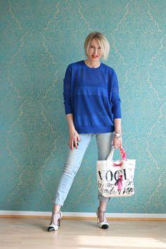 A fashion blog for women over 40 and mature women  http://glamupyourlifestyle.blogspot.de/  Sweater, Bag, Shoes: Dorothee Schumacher Pants: Review