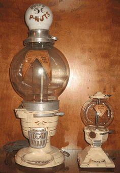 Old Antique Columbus Hot Nut Peanut Vending Machine