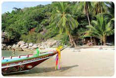 Sairee Beach on Koh Tao, Thailand   Globetrotter Girls