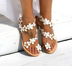 Women Sandals Bohemia Style Summer Shoes For Women Flat Sandals Beach Shoes 2019 Flowers Flip Flops Plus Size Chaussures Femme Strappy Flats, Flat Sandals, Gladiator Sandals, Flat Shoes, Shoes Sandals, White Sandals, Dress Shoes, Sandals Sale, Stylish Sandals