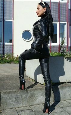 Full Leather Outfit  Hothighheels Hochhackige Stiefel, Hohe Stiefel, Schwarzes  Leder, Hochhackige Schuhe c18be0a91c