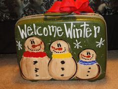 Trashy Treasures - Frosty luggage Rustic Christmas Ornaments, Christmas Crafts To Make, Christmas Jesus, Christian Christmas, Christmas Snowman, Christmas Projects, Holiday Crafts, Xmas, Snowman Pics