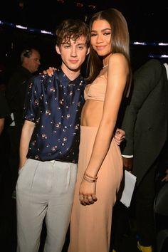 Pin for Later: Les 22 Meilleures Photos des Billboard Music Awards Zendaya et Troye Sivan
