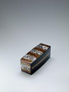 螺鈿蒔絵箱「長月の頃」