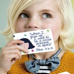 Milestone Mini Cards: 100 unique, illustrated cards for recording all the quirky, unexpected things your kids say and do every day
