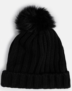 Discover The Best Winter Accessories To Keep You Cosy, Warm And So Stylish! Winter Accessories, Cosy, Winter Hats, Good Things, Warm, Stylish