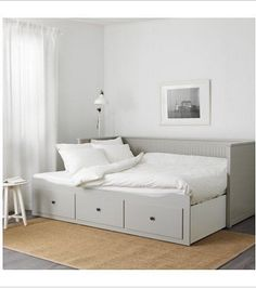 HEMNES Day-bed frame with 3 drawers, grey. A sofa, a single bed, a double bed and storage in one piece of furniture! If you like the style, you can combine it with other furniture in the HEMNES series. Cama Murphy Ikea, Cama Ikea, Lit Banquette 2 Places, Hemnes Day Bed, Ikea Hemnes Bed, Ikea Daybed, Trundle Daybed, Day Bed Frame, Modern Murphy Beds