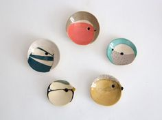 Bird plates, by Elise Lefebvre Ceramic Clay, Ceramic Plates, Ceramic Pottery, Ceramic Birds, Ceramic Coasters, Pottery Painting, Ceramic Painting, Cerámica Ideas, Gift Ideas