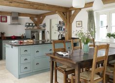 Border Oak - gorgeous open plan kitchen/dining room.