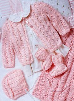 We Like Knitting: Perfectly Pink Layette - Free Pattern