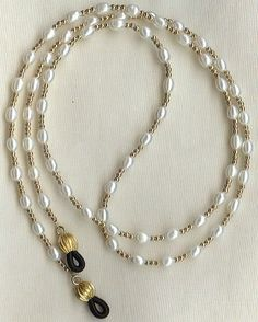 Eyeglass Chain Holder Gold White Pearl Necklace Lanyard Replaceable Ends Eyeglass Chain Holder gf White Pea. White Pearl Necklace, Pearl Jewelry, Beaded Jewelry, Beaded Bracelets, Pearl White, Pearl Chain, Artisan Jewelry, Handcrafted Jewelry, Jewelry Accessories