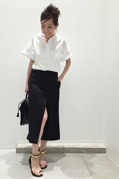 Black and white Office Fashion, Business Fashion, Work Fashion, Cute Fashion, Skirt Fashion, Fashion Outfits, Fasion, Womens Fashion, Executive Outfit