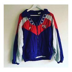 Love the stars on the neck  PSG x Nike track top   @vieille_rue  #psg #footballshirt #footballshirtcollective #football #vintagefootballshirt #nike #nikefootball #ligue1 #paris