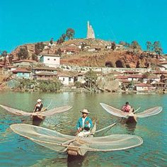 Patzcuaro lake, Michoacan, Mexico famous for their butterfly style fishing technique they still use by lowering the nets to catch fish. It's an amazing place! Mexico Tourism, Mexico Travel, Mexico Vacation, Italy Vacation, Cool Places To Visit, Places To Travel, Places To Go, Central America, South America