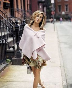 Carrie Bradshaw Outfits. I truly believe she is wearing a blanket with buttons and I love that!  PattyonSite™
