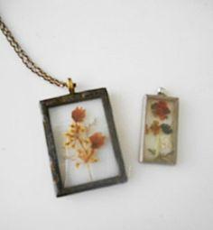 Vintage framed dried flowers Pendent Necklace
