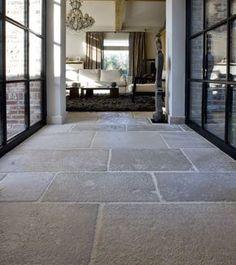 Natursteinböden für den Wohnbereich, das Bad oder den Objektbereich. Immer zeitlos, praktisch und stilsicher. Vertrauen Sie der Wertigkeit, Schönheit und Natürlichkeit von Naturstein.